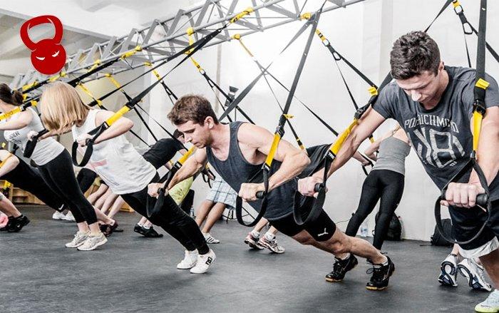 Тренировка с функциональными петлями TRX