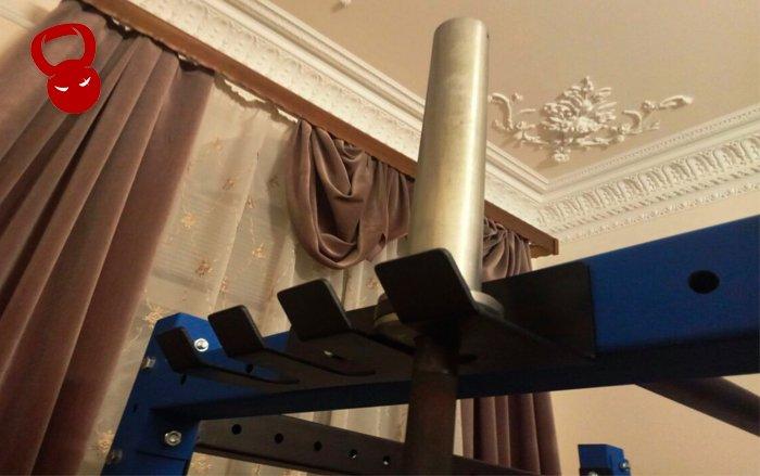 Вертикальний тримач для грифів